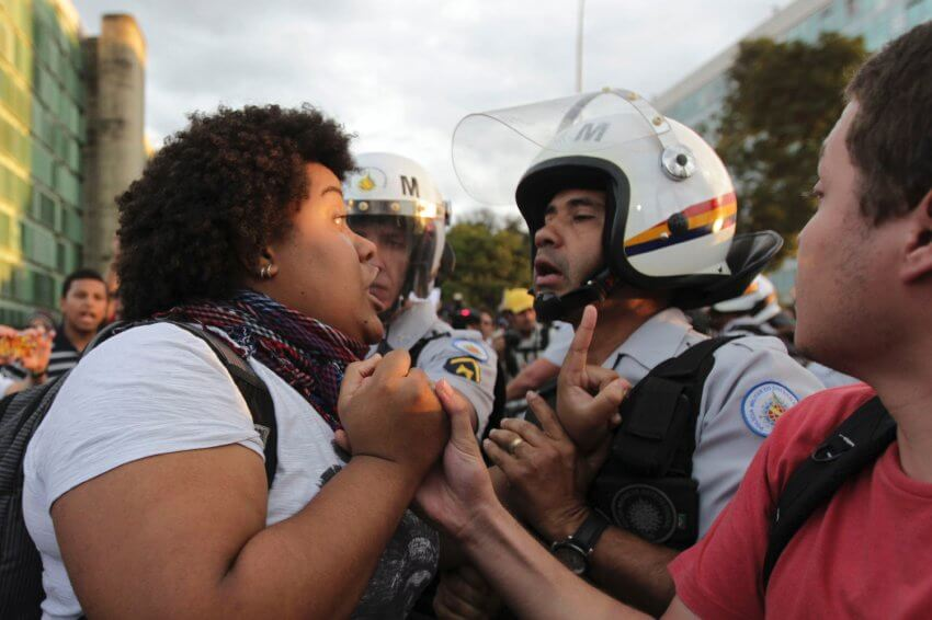 Demonstrantin in Brasília