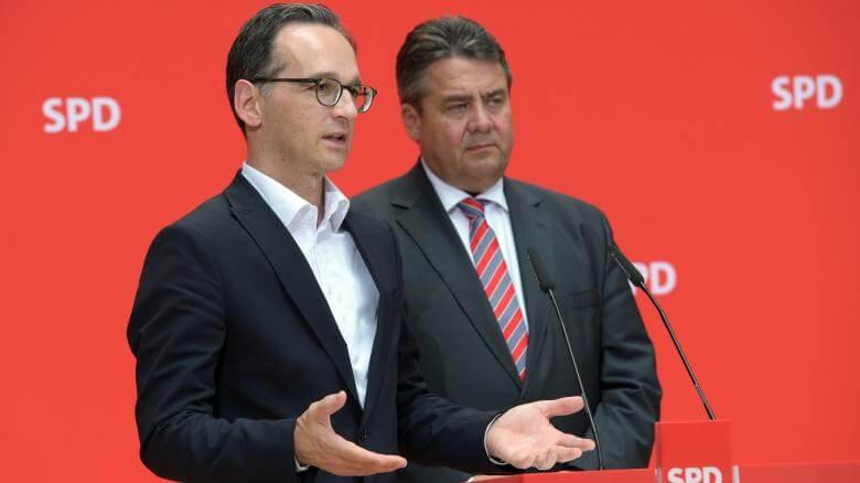 Justizminister Heiko Maas neben Vizekanzler Sigmar Gabriel